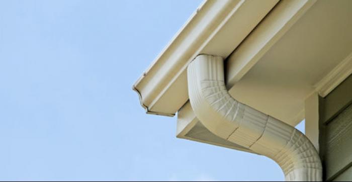 Service d'installation de votre revêtement extérieur, aux alentours de St-Jérôme et dans les Laurentides. Rénovation de votre maison, Pliage d'aluminium Scellant et calfeutrage Gouttières